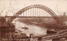 Angleterre - Newcastle Upon On Tyne - Souvenir Of New Bridge - Souvenir Du Pont Neuf - Newcastle-upon-Tyne