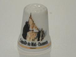 Dé En Porcelaine L'aiguille Du Midi - Thimbles