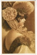 Dame Gekleed In Art Deco Stijl, Dame Habillé En Style Art Deco (pk41248) - Mode