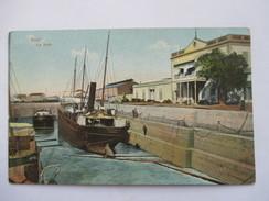 EGYPTE  -    SUEZ  -      LE  DOCK           TTB - Suez