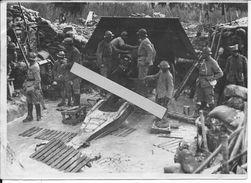 Marne Artillerie Française Servants Et Batterie De 155mm Schneider Innondée Et Continuant Le Tir 1 Photo 14-18 Ww1 1wk - War, Military