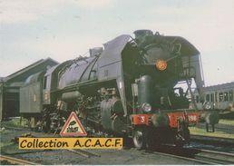 Locomotive 141 R 430 SNCF Stationnant Au Dépôt - - Equipment