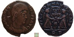 Roman Empire - AE Centenionalis Of Magnentius (350 – 353 AD), VICT DD NN AVG ET CAES, Two Victories - 7. El Impero Christiano (307 / 363)