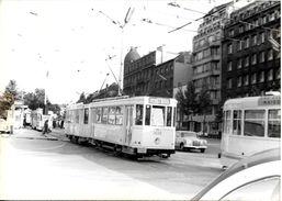BRUXELLES (1000) : Le Tram 19 Aux Environs De La Porte De Schaerbeek, En 1973. Carte-Photo Rare. - Transport Urbain En Surface