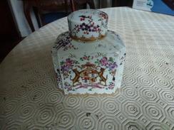 Elégant Flacon à Parfum En Porcelaine XIX è Siècle - Céramiques