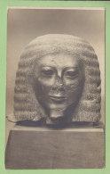 Carte Photo : Tête Egyptienne De La XII Dynastie, Offerte Au Directeur Banque Nationale De Crédit. 2 Scans. - Histoire