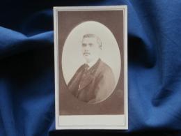 CDV Photo P. Mathieu à Flers - Portrait Embossé Homme (Mr Corbière),  Circa 1875 L343 - Ancianas (antes De 1900)