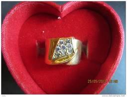 Ring  Van Geel Goud 18kt. Met  8 Briljanten 0.35 Kt. - Ring
