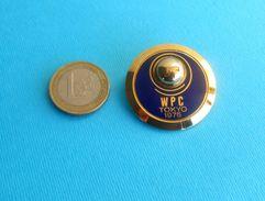 WORLD PETROLEUM CONGRESS 1975. Tokyo Japan - Large Enamel Participant Pin Badge Oil Fuel Carburant Essence Petrol - Fuels
