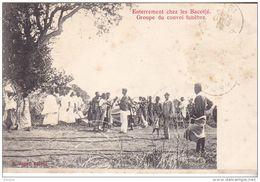 CO- CONGO ENTERREMENT CHEZ LES BACOTJE GROUPE CONVOI FUNEBRE VOIR VERSO CPA CIRCULEE - Französisch-Kongo - Sonstige