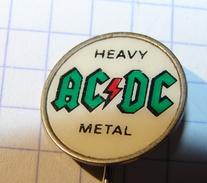 Old  Badge  AC/DC Heavy Metal - Berühmte Personen