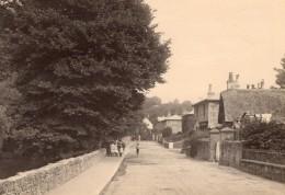 Groupe D'Enfants Dans Une Rue De Village Anglais Ancienne Photo 1900 - Photos