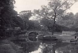 Angleterre Pont De Pierre Canal Et Bateaux Campagne Anglaise Ancienne Photo 1900 - Photos