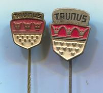 FORD TAUNUS - Car, Auto, Automotive, Vintage Pin, Badge, Abzeichen, 2 Pcs - Ford