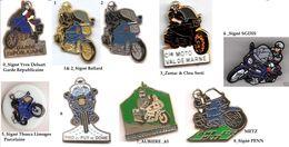 1 Pin's Au Choix_Gendarmerie_Mobile_Motos - Army