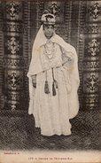 CPA Algérie - Orans - 177 Femme De L'Extrême Sud - Costumes Traditionnels & Tapis - A.A. - Algeria