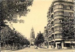 """Bruxelles (1190) : L'église De L' """"Altitude 100"""", Au Débouché De L'Avenue Everard à Forest. Belle Petite Animation. CPSM - Cartes Postales"""