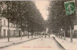 Cpa 93 VAUJOURS  Rue De MEAUX   Le Casino , Animée , En Très Bon état - France