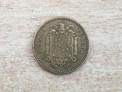 1957 (61) Spain Espana 1 Una Pesetas Coin,  VF Very Fine - [ 5] 1949-… : Kingdom