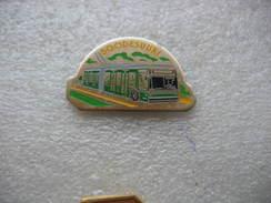 Pin's Numéroté 274, Bus BOODESUURI, Bus De La Ville De Bale Avec Les Cannes Electriques - Transport