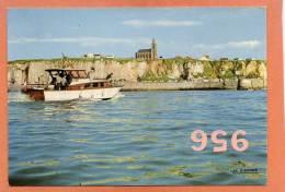 * * DIEPPE * * L'Entrée Du Port, L'Eglise Du Bon Secours - Dieppe