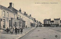 LE MESLE SUR SARTHE - LE MELE SUR SARTHE - Place Du Marché - Le Mêle-sur-Sarthe