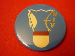 Estonia Badminton Federation -  Soviet Button Pin Badge - Badminton