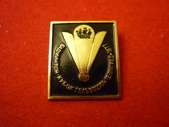 Badminton Helvetia Cup 1977 Leningrad USSR - BLACK COLOUR - Soviet Old Pin - Badminton