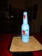 De 2017 - Bouteille De Bière BELZEBUTH BLANCHE - Bleu Clair - Avec étiquette - Vide - ? 33 Cl - - Otras Botellas