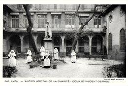 LYON 69002 RHONE  340 ANCIEN HOPITAL DE LA CHARITE COUR SAINT-VINCENT-DE-PAUL  ED. AMPHOUX RELIGIEUSES - Lyon