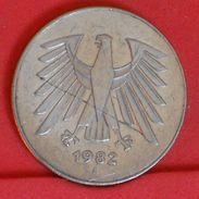 GERMANY FEDERAL REPUBLIC 5 MARKS 1982 J -    KM# 140,1 - (Nº19280) - [ 7] 1949-… : FRG - Fed. Rep. Germany
