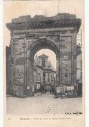 Cp , 58 , NEVERS , Porte De Paris Et Église Saint-Pierre - Nevers