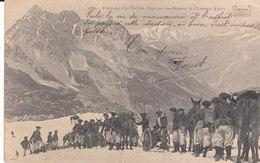 CPA TRAVERSEE D' UN COL DES ALPES PAR UNE BATTERIE DE CHASSEURS ALPINS  (73) ECRITE PAR UN MILITAIRE DE BOURG-ST-MAURICE - Bourg Saint Maurice