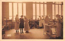 PARIS - Hopital-Ecole De La Société De Secours Aux Blessés Militaires,Place Des Peupliers - Salle De Pansement - Arrondissement: 13