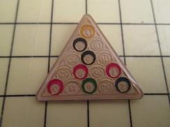 Pin1310 Pin's Pins : Rare Et Belle Qualité : SPORT / 15 BOULES DE BILLARD ET LEUR TRIANGLE - Billiards