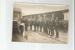 GENDARMES PHOTO ANCIENNE DEVANT CAMION (BELLE ANIMATION) 30 - Guerre, Militaire
