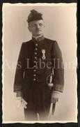 Photo Ancien / Militair / Soldat / Soldier / Officer / Offcier / Medaille / Photographer J. & B. Boen Soeurs / Uccle - Oorlog, Militair