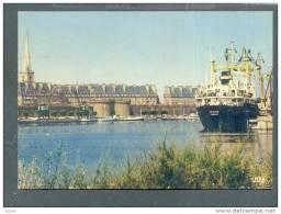 35 ST MALO ... Le Port - Les Remparts Bassind Les Yachts 1974 ... (cpsm) - Saint Malo