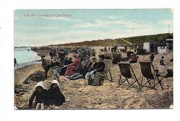 ROYAUME UNI . ON THE SANDS AT GORLESTON - Réf. N°6542 - - Angleterre