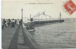 Saint Nazaire L' Estacade à L' Entrée Du Port - Saint Nazaire