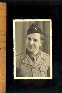 Photo Carte Militaire : Soldat Pierrot GIRAUDET Insigne Croix De Lorraine / Photo Ronget à CHAMPAGNOLE Jura - Personajes