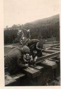 S.N.C.B, Ouvriers Du Chemin De Fer Posant Des Rails. - Profesiones