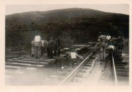 S.N.C.B, Ouvriers Du Chemin De Fer Posant Des Rails. - Mestieri
