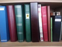 NEUE STÖBERKISTEN GROSS MIT SAMMLUNGEN UND EINSTECKBÜCHERN WIEDER DA. HOHER KATALOGWERT CA. 20 KILO INVENTURKISTE - Collections (en Albums)