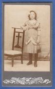 PHOTO - 1900 - FILLETTE - PRIE-DIEU  -Chapeau -Sac à Main -  PORTRAIT SOUVENIR *SUP - 2 SCANS ** - Antiche (ante 1900)