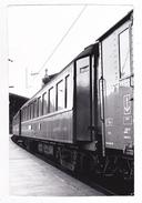 PHOTO Originale Train Sleeping Car Wagon Lits Non Situé En 1973 VOIR DOS - Lieux