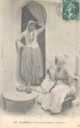 Algerie, Femmes Fumant Le Narguilé - Algerije