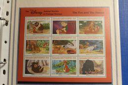 Grenada  -Rox Et Rouky - Disney