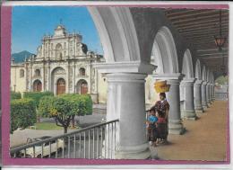 PALACIO  DE LOS CAPITANES - Guatemala
