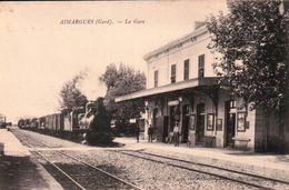 Rare - Aimargues (Gard) - La Gare - Locomotive à Vapeur - Animée. - Francia